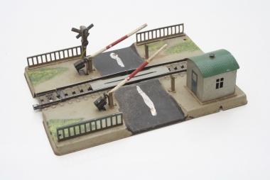 Märklin 0457 Bahnübergang mechanisch aus den Jahren 60-64