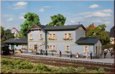 Auhagen 11329 Bahnhof Radeburg in H0 Bausatz Fabrikneu