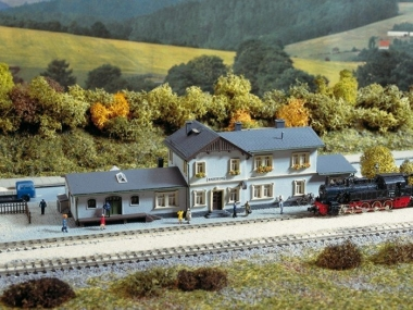 Auhagen 14453 Radeburg station N Kit