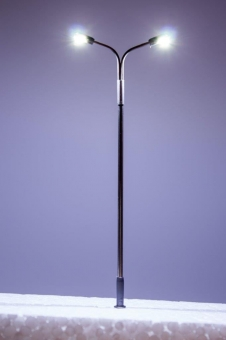 5x Straßenlampe LED 12V Metall 2-fach kaltweiß in H0 Neu