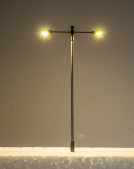 5x Straßenlampe LED 12V T-Form Metall 2-fach warmweiß in H0 Neu
