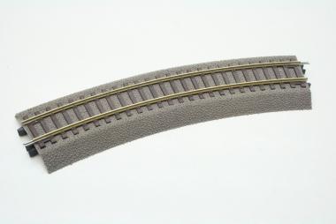 Roco Line 42522 gebogenes Gleis mit Bettung R2 in H0