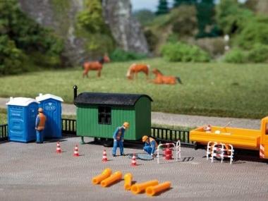 Auhagen 42641 2x Builder's caravans and 4x porta loos H0/TT Kit