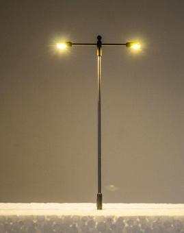 3x Straßenlampe LED 12V T-Form Metall 2-fach warmweiß in H0 Neu