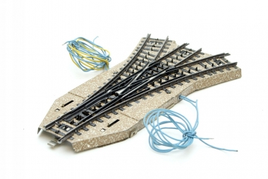Märklin 5214 M-Gleis elektrische Dreiwegweiche in H0 Top Zustand