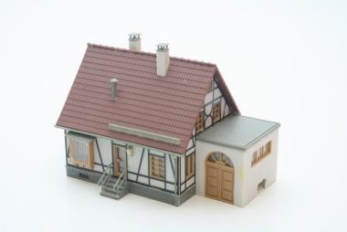 Faller 130215 Fachwerkhaus mit Garage in H0 mit Beleuchtung