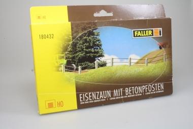 Faller 180432 Eisenzaun mit Betonpfosten 4m Draht, 80 Pfosten in H0