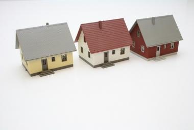 Interessante Sammlung von Faller Häuser in H0 sehr gepflegt -gebaut-