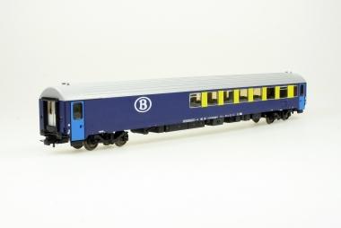 Heris 12032 Resto-Umbauwagen Typ I10 88-90 006-4 der SNCB in H0 NEUWARE