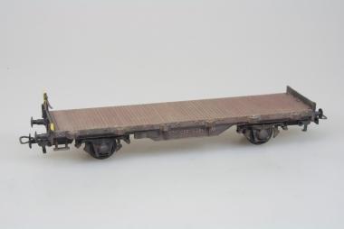 Kleinbahn 303 schweizer Rungenwagen in H0 patiniert
