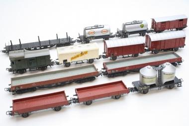 Märklin interessante Sammlung ältere Güterwagen H0