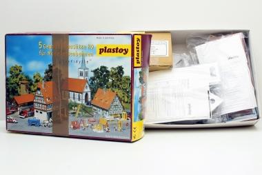 Plastoy (Faller) Dorfidylle 4 Modellbaustätze in H0