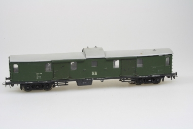 Schicht 426/51 Bahnpostwagen in H0 AC Achsen in Originalverpackung