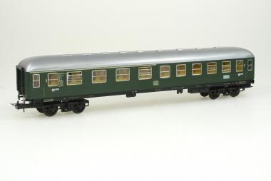 Trix Personenwagen AB4 17350 der DB in H0