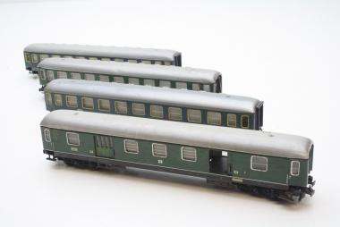 Trix Express interessante Sammlung Personenwagen 4-teilig in H0