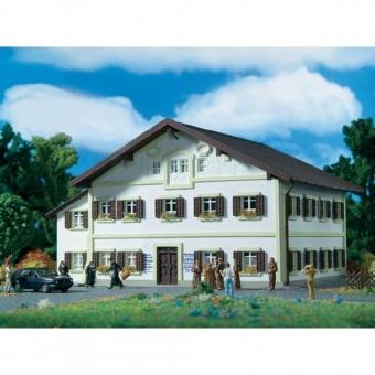 Vollmer 3828 Wohnhaus Geburtshaus Papst Benedikt XVI in H0 in Originalverpackung