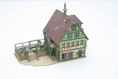 Vollmer 43736 Gasthof mit Metzgerei in H0 sehr schön gebaut