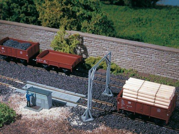 Auhagen 11404 Gleiswaage mit Lademaß in H0 Bausatz