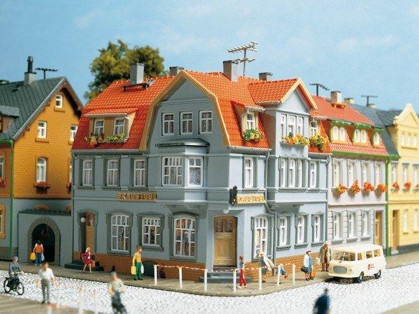Auhagen 12249 Eckhaus in H0/TT Bausatz