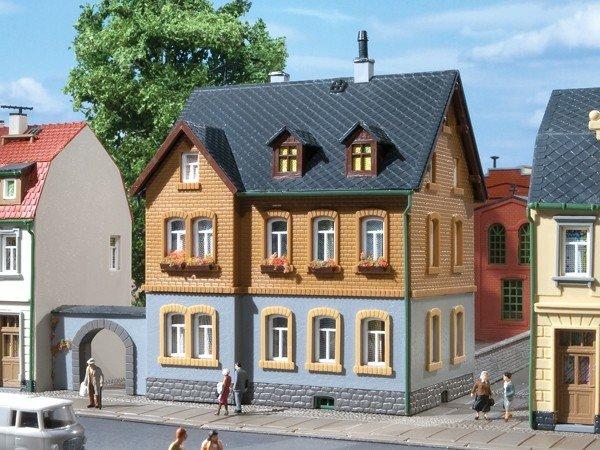 Auhagen 12258 Werkswohnhaus in H0/TT Bausatz