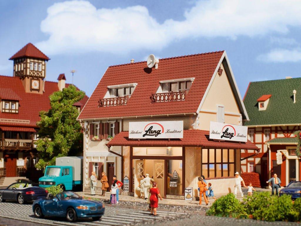 Vollmer 43633 Bäckerei Lang mit Inneneinrichtung und Beleuchtung in H0 Bausatz